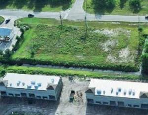 572 SW Bayshore Boulevard, Port Saint Lucie, Florida