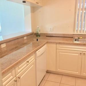 Condominio por un Alquiler en 6838 W Sample Road 6838 W Sample Road Coral Springs, Florida 33067 Estados Unidos