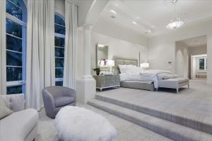 Additional photo for property listing at 8600 Twin Lake Drive 8600 Twin Lake Drive Boca Raton, Florida 33496 United States