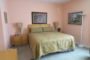 7546  La Paz Boulevard #104 Boca Raton, FL 33433