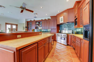 Additional photo for property listing at 99 NE Spanish Trail 99 NE Spanish Trail Boca Raton, Florida 33432 Vereinigte Staaten