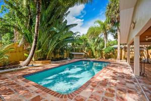Single Family Home for Sale at 850 E Park Drive Boca Raton, Florida 33432 United States