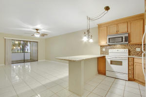 Additional photo for property listing at 701 Avenue L 701 Avenue L Delray Beach, Florida 33483 États-Unis