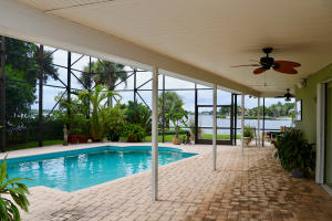 Additional photo for property listing at 308 W Riverside Drive 308 W Riverside Drive Jupiter, Florida 33469 Vereinigte Staaten