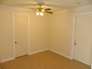 Additional photo for property listing at 128 SE Crestwood Circle 128 SE Crestwood Circle 斯图尔特, 佛罗里达州 34997 美国
