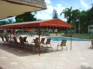 Additional photo for property listing at 21 Abbey Lane 21 Abbey Lane Delray Beach, Florida 33446 Estados Unidos