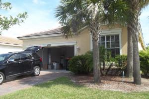 Additional photo for property listing at 10702 SW Gingermill Drive 10702 SW Gingermill Drive Port St. Lucie, Florida 34987 Vereinigte Staaten