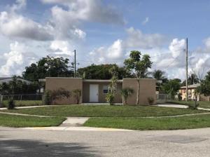 Seminole Manor 1