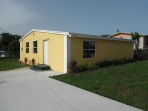 独户住宅 为 出租 在 1324 W 35th Street 1324 W 35th Street 西棕榈滩, 佛罗里达州 33404 美国