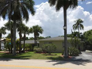 متعددة للعائلات الرئيسية للـ Sale في 101 Bravado Lane 101 Bravado Lane Palm Beach Shores, Florida 33404 United States