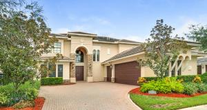واحد منزل الأسرة للـ Sale في 8951 Equus Circle 8951 Equus Circle Boynton Beach, Florida 33472 United States