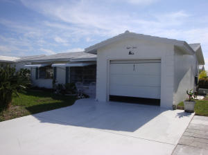Additional photo for property listing at 812 W Ocean Drive 812 W Ocean Drive Boynton Beach, Florida 33426 United States