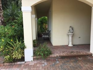 Additional photo for property listing at 148 Catania Way 148 Catania Way 皇家棕榈海滩, 佛罗里达州 33411 美国