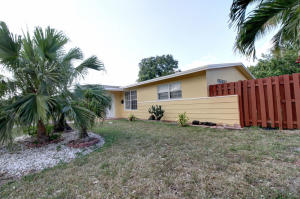 Single Family Home for Rent at 6031 NW 19 Street Sunrise, Florida 33313 United States