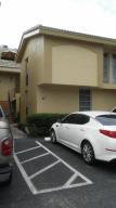 Condominio por un Alquiler en 8401 W Sample Road 8401 W Sample Road Coral Springs, Florida 33065 Estados Unidos