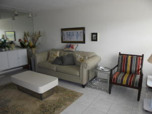 Additional photo for property listing at 3046 Cornwall C 3046 Cornwall C Boca Raton, Florida 33434 Estados Unidos