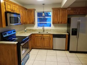 Additional photo for property listing at 1436 Lakeview Drive 1436 Lakeview Drive Lake Worth, Florida 33461 Vereinigte Staaten
