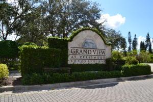 Grand View At Crestwood Condominium