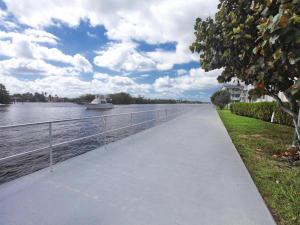 Condomínio para Locação às Sterling Village, 620 W Horizons 620 W Horizons Boynton Beach, Florida 33435 Estados Unidos