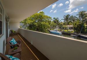 شقة بعمارة للـ Rent في KEYSTONE HARBOR CLUB, 13131 Ixora Court 13131 Ixora Court North Miami, Florida 33181 United States