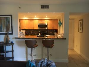 Additional photo for property listing at 2025 Lavers Circle 2025 Lavers Circle Delray Beach, Florida 33444 Estados Unidos