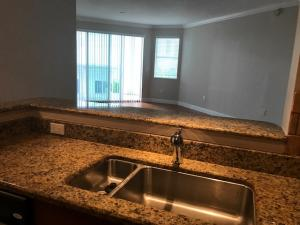 Additional photo for property listing at 975 NW Flagler Avenue 975 NW Flagler Avenue Stuart, Florida 34994 United States