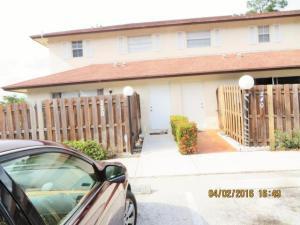 Casa unifamiliar adosada (Townhouse) por un Alquiler en Cypress Estates, 250 Cypress Way 250 Cypress Way Palm Springs, Florida 33406 Estados Unidos