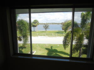 Additional photo for property listing at 2180 Lake Osborne Drive 2180 Lake Osborne Drive Lake Worth, Florida 33461 Estados Unidos