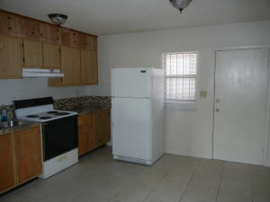 Additional photo for property listing at 1197 W 28th Street 1197 W 28th Street Riviera Beach, Florida 33404 Estados Unidos