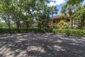 Condominium for Rent at 13334 Polo Club Road 13334 Polo Club Road Wellington, Florida 33414 United States