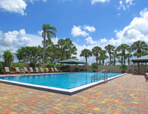 Additional photo for property listing at 4770 Fountains Drive 4770 Fountains Drive Lake Worth, Florida 33467 États-Unis