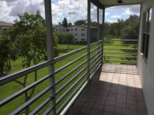 Additional photo for property listing at 374 Mansfield I (Century Village) 374 Mansfield I (Century Village) Boca Raton, Florida 33434 Vereinigte Staaten