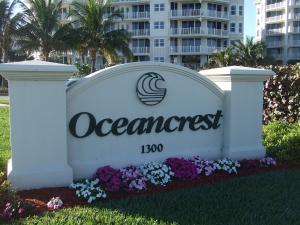 Condomínio para Locação às OCEANCREST, 1300 S A1a 1300 S A1a Jupiter, Florida 33477 Estados Unidos