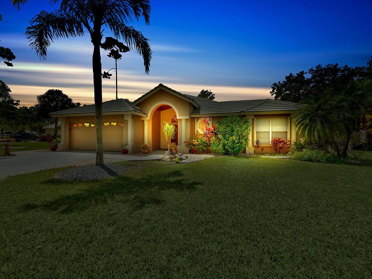 300 Cypress Trace Royal Palm Beach, FL 33411