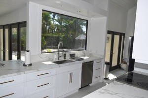 Additional photo for property listing at 118 Sandpiper Circle 118 Sandpiper Circle Jupiter, Florida 33477 Vereinigte Staaten
