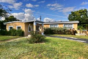Casa Unifamiliar por un Alquiler en 4701 NW 11 Place 4701 NW 11 Place Lauderhill, Florida 33313 Estados Unidos