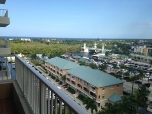 共管式独立产权公寓 为 出租 在 700 E Boynton Beach Boulevard 700 E Boynton Beach Boulevard 博因顿海滩, 佛罗里达州 33435 美国