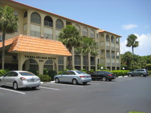 Condominium for Rent at 951 De Soto Road 951 De Soto Road Boca Raton, Florida 33432 United States