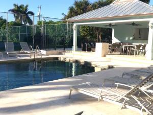Additional photo for property listing at 277 N Ocean Boulevard 277 N Ocean Boulevard Boca Raton, Florida 33432 Estados Unidos