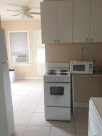 Additional photo for property listing at 32 S L Street 32 S L Street Lake Worth, Florida 33460 Estados Unidos