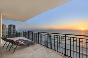 Condominium for Sale at 3800 N Ocean Drive 3800 N Ocean Drive Singer Island, Florida 33404 United States