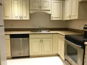 共管式独立产权公寓 为 出租 在 612 NW 13 Street 612 NW 13 Street 博卡拉顿, 佛罗里达州 33432 美国