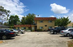 Comercial por un Venta en 1274 NE 40 Street 1274 NE 40 Street Oakland Park, Florida 33334 Estados Unidos