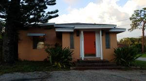 Single Family Home for Rent at 6322 Pine Drive 6322 Pine Drive Lake Worth, Florida 33462 United States