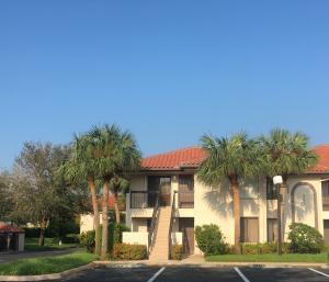 Condominio por un Alquiler en 351 Club Circle 351 Club Circle Boca Raton, Florida 33487 Estados Unidos