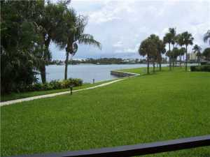 Additional photo for property listing at 300 Intracoastal Place 300 Intracoastal Place Tequesta, Florida 33469 United States