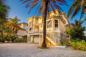 Einfamilienhaus für Verkauf beim 7433 S Highway A1a 7433 S Highway A1a Melbourne, Florida 32951 Vereinigte Staaten