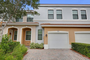 Property for sale at 5022 S Astor Circle, Delray Beach,  FL 33484