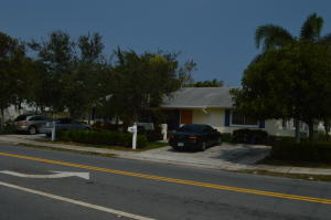 Additional photo for property listing at 930 SW 13th Avenue 930 SW 13th Avenue Delray Beach, Florida 33483 Vereinigte Staaten