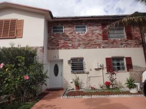 Additional photo for property listing at 393 Sunshine Drive 393 Sunshine Drive Coconut Creek, Florida 33066 États-Unis